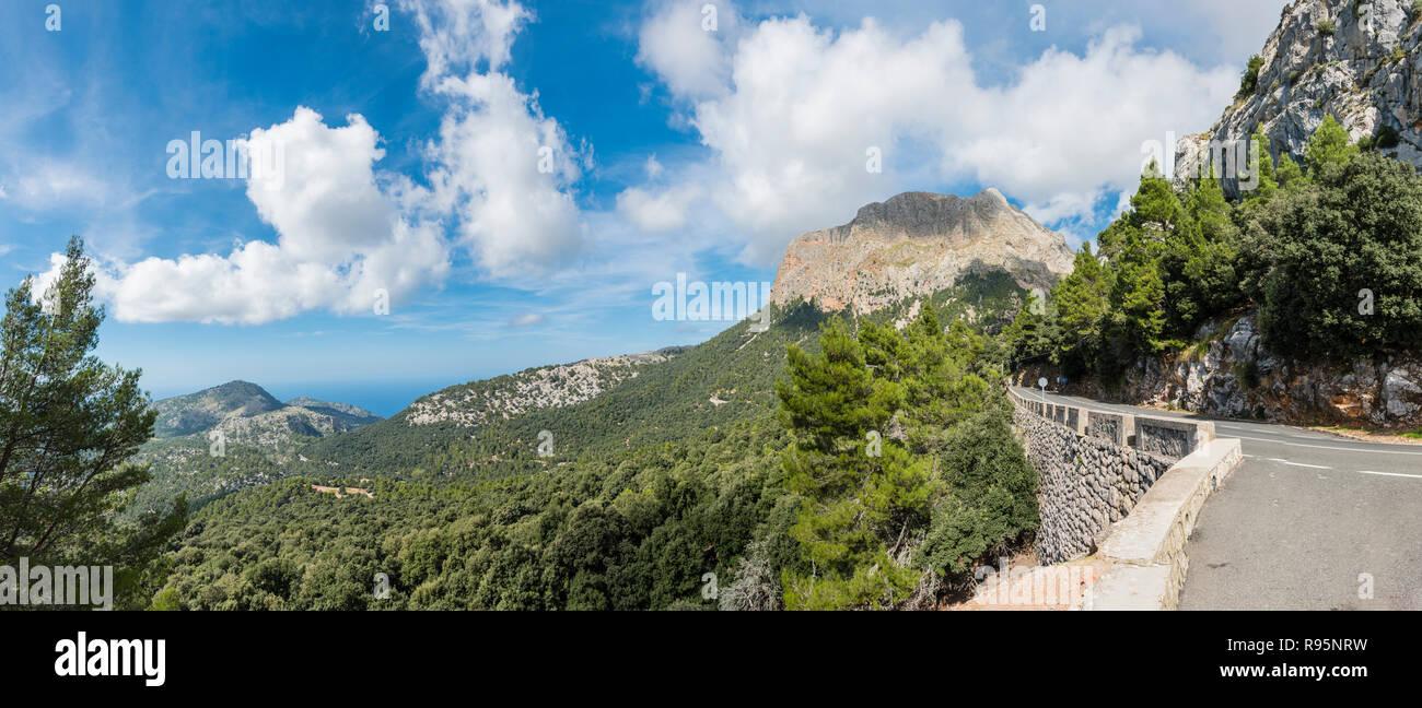 Mallorca Aussichtspunkt auf Puig Major, Majorca Viewpoint to Puig Major - Panorama - Stock Image