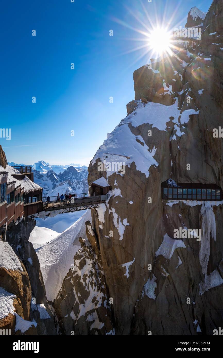 The Aiguille du Midi (3842m) footbridge. Chamonix needles, Mont Blanc mountain range, Haute-Savoie, European Alps, France - Stock Image