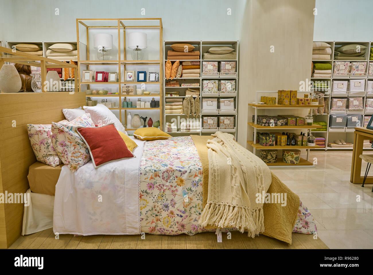 05dcbf6d MILAN, ITALY - CIRCA NOVEMBER, 2017: interior shot of Zara Home store in