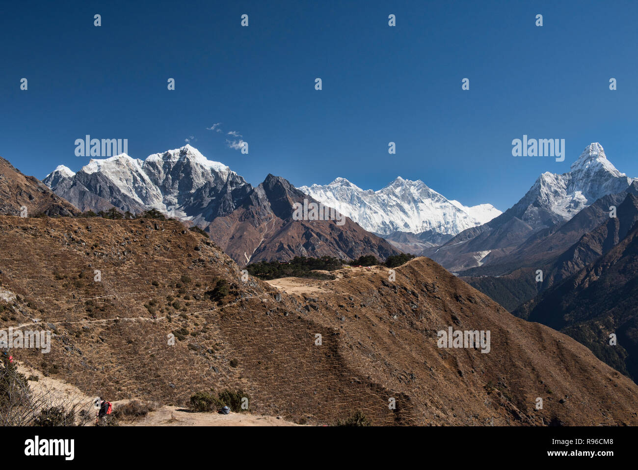 Ama Dablam and Everest rise above the Khumbu Valley, Everest region, Nepal - Stock Image