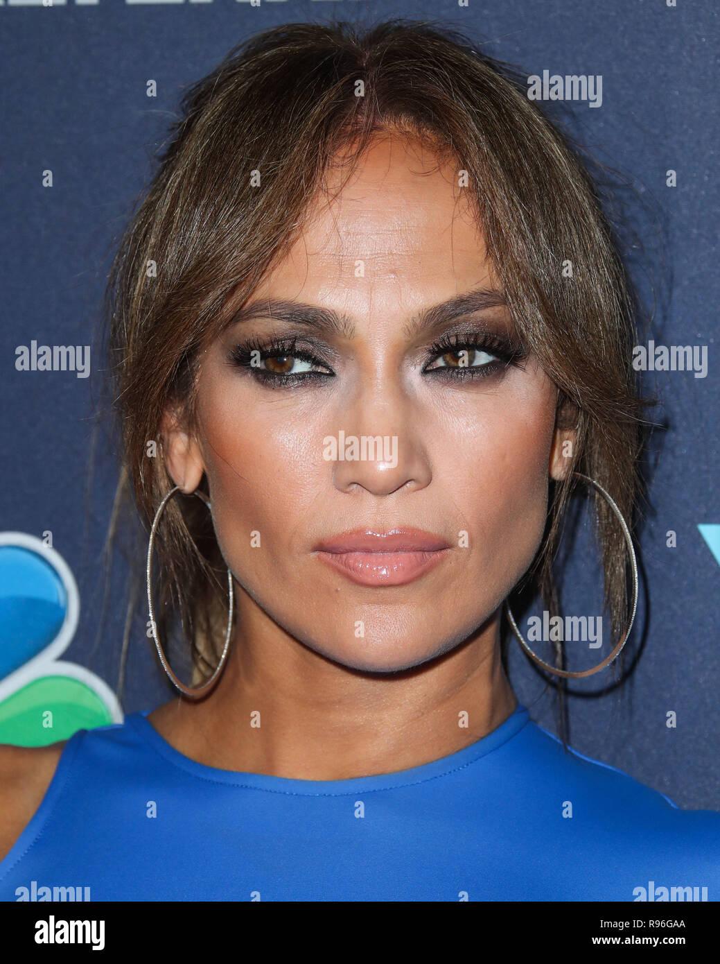b6b887251998a WEST HOLLYWOOD, LOS ANGELES, CA, USA - SEPTEMBER 19: Singer Jennifer Lopez  wearing a David Koma dress and Giuseppe Zanotti shoes arrives at NBC's  'World Of ...