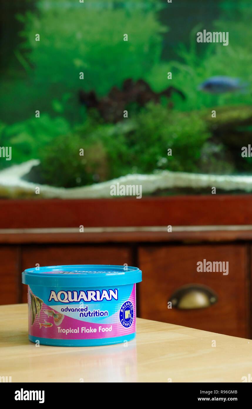 Aquarian Pet Tropical Freshwater Fish Flake Food, UK - Stock Image