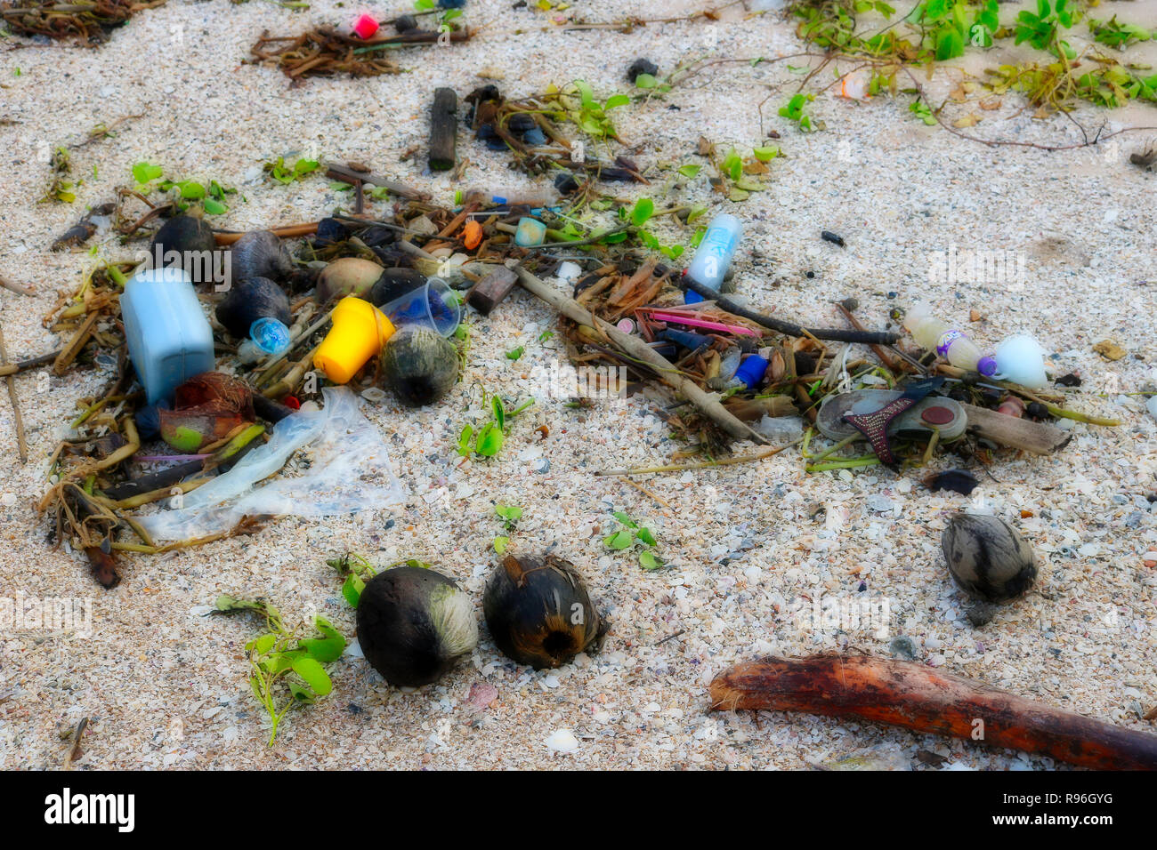 This shocking photo shows the totally plastic littered beach of Hua Hin in Thailand. These are the original beaches of Thailand land of garbage - Stock Image