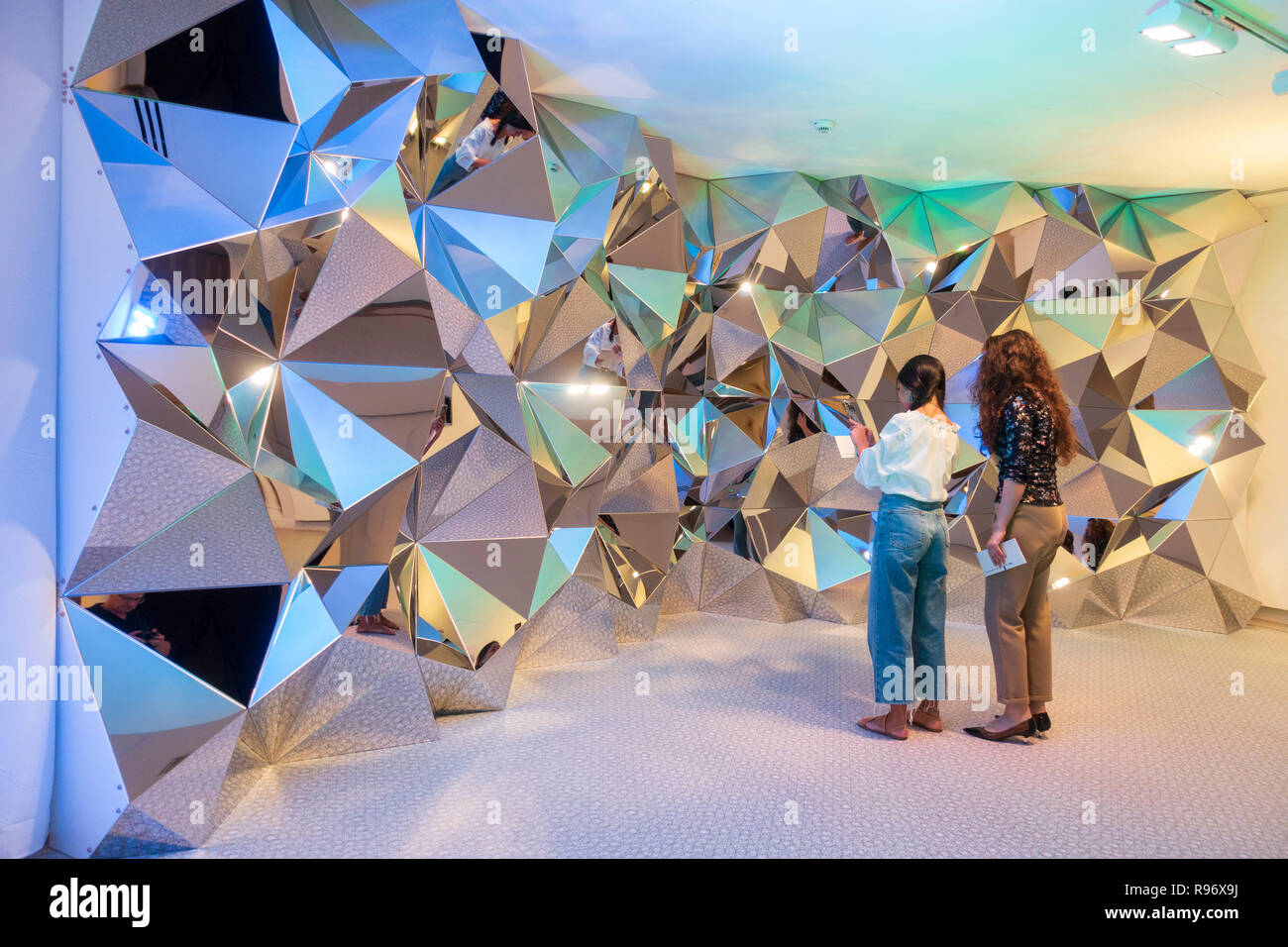 Sharjah, UAE. 20 December 2018. Modern Islamic art is presented at the  21st Islamic Arts Festival which opened this week in Sharjah, UAE.  The festival runs until 19 January 2019 and features work by International artists at various locations across the city. Pictured; Sculpture Prism Wall by Kaz Shirana Credit: Iain Masterton/Alamy Live News - Stock Image