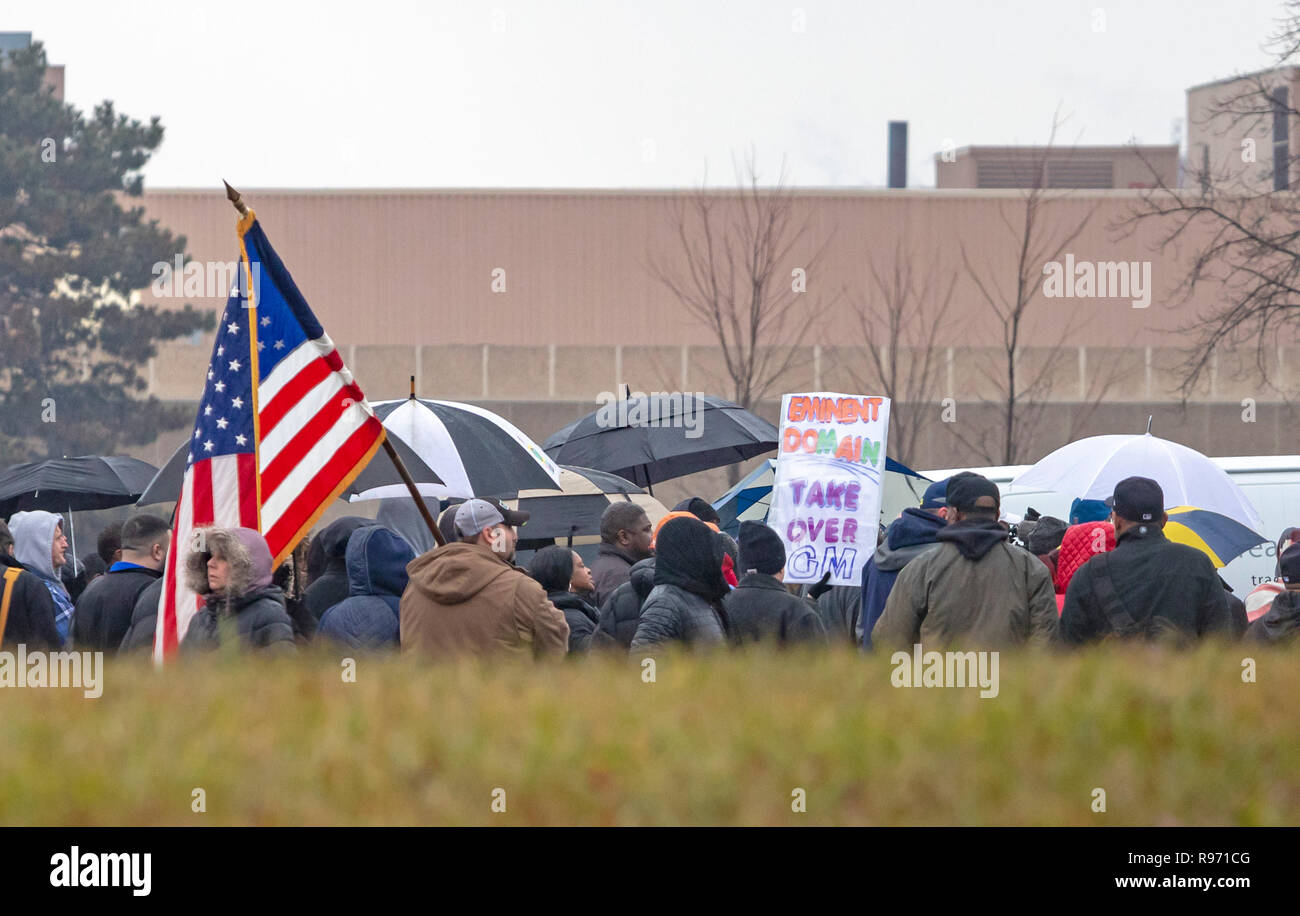 Detroit, Michigan USA - 20 December 2018 - Members of the United Auto Workers held a parking lot rally to oppose General Motors' plan to close the Detroit-Hamtramck Assembly Plant (the Poletown plant), which makes the Chevrolet Volt and other vehicles. In 1980, GM persuaded the city of Detroit to use eminent domain to clear the thriving Poletown neighborhood of 1,500 homes, 144 businesses, and 16 churches to make room for the facility. Credit: Jim West/Alamy Live News - Stock Image