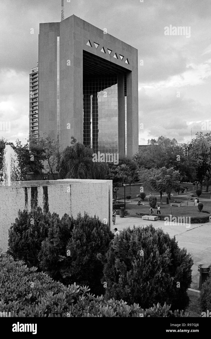 MONTERREY, NL/MEXICO - NOV 10, 2003: High Court of Justice building at the Macroplaza - Stock Image