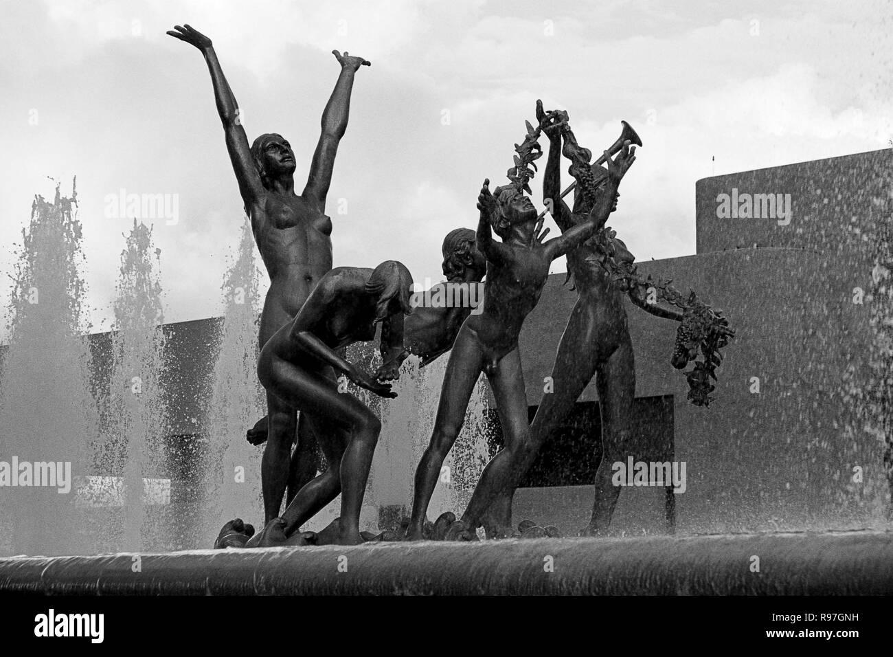 MONTERREY, NL/MEXICO - NOV 10, 2003: Neptuno fountain at the Macroplaza Stock Photo