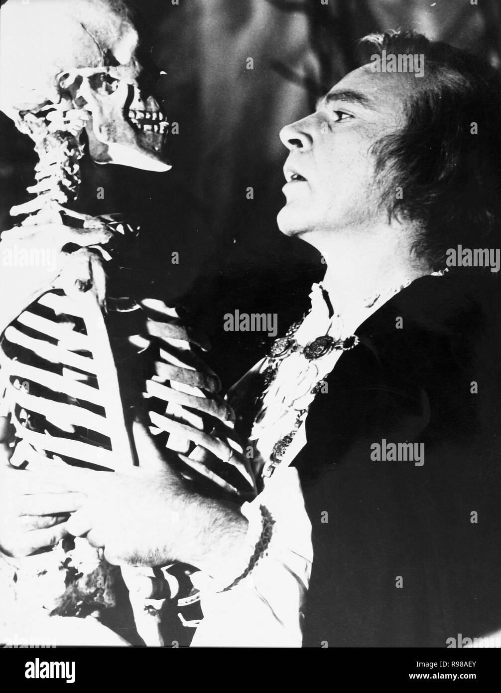 Original film title: DOCTOR FAUSTUS. English title: DOCTOR FAUSTUS. Year: 1967. Director: RICHARD BURTON. Stars: RICHARD BURTON. Credit: OXFORD UNIV/NASSAU/VENFILMS/COLUMBIA / Album Stock Photo