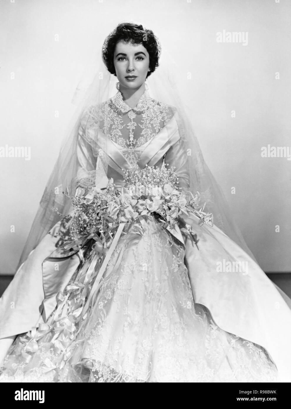 Elizabeth Taylor Wedding Dress Black And White Stock Photos Images