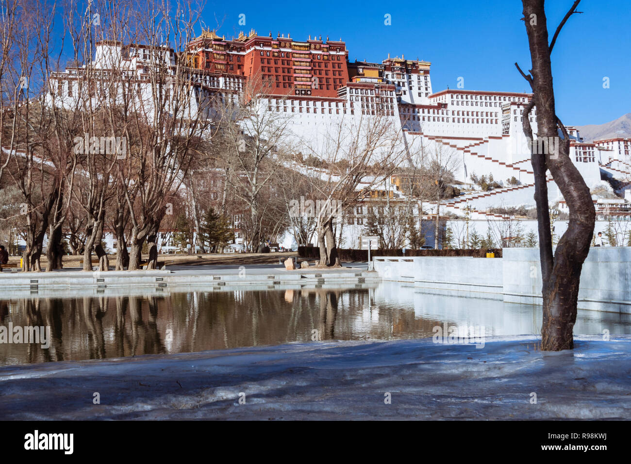 Lhasa, Tibet Autonomous Region, China : Potala palace. First built in 1645 by the 5th Dalai Lama, the Potala was the residence of the Dalai Lama until - Stock Image