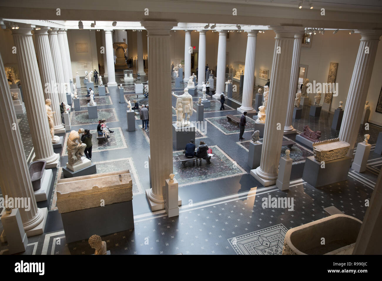 Leon Levy and Shelby White Court Provides Dramatic Centerpiece for Display of the Metropolitan's World-Renowned Classical Art Collection. Greek and Roman Art collection officially opened in 2007. Stock Photo
