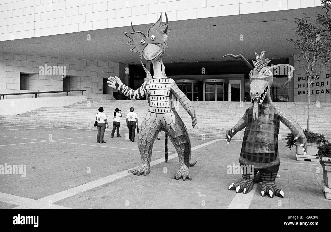 """MONTERREY, NL/MEXICO - NOV 10, 2003: """"Alebrije"""" figures at the entrance of the Museum of Mexican History Stock Photo"""
