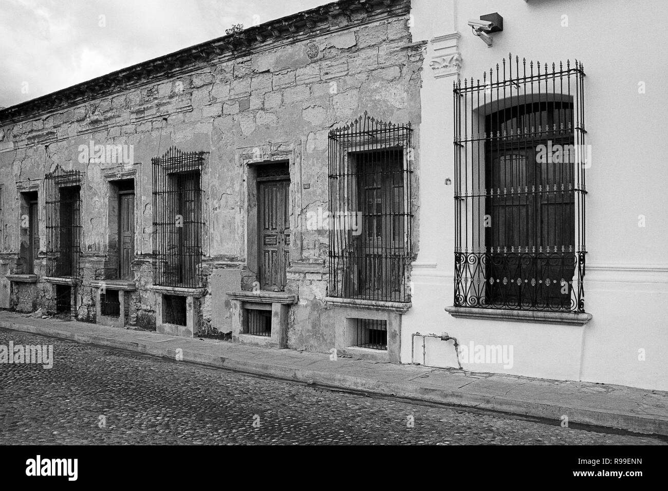 MONTERREY, NL/MEXICO - NOV 10, 2003: Facade of old houses at downtown, nearby the Macroplaza Stock Photo