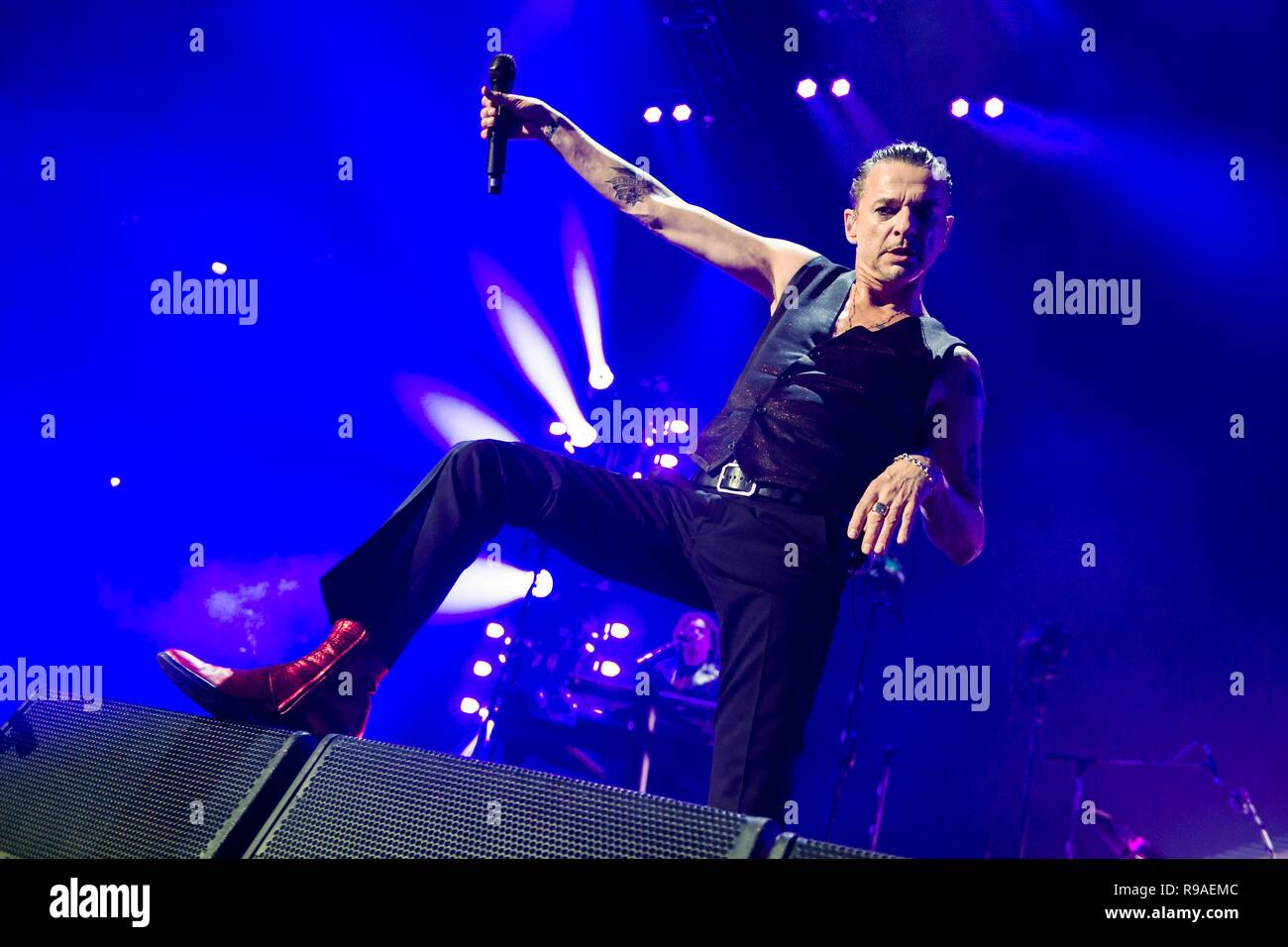 January 11, 2018 - The British synth rock and synth pop group Depeche Mode live on their Global Spirit Tour at the Barclaycard Arena in Hamburg. Singer and frontman Dave Gahan enjoys the show. | January, the 11th of 2018 - British Synth-Rock respectively Syntie-Pop Band Depeche Mode live on the Global Spirit Tour at the Barclaycard Arena in Hamburg, Germany. Singer and front man Dave Gahan enjoys the show. | usage worldwide - Stock Image