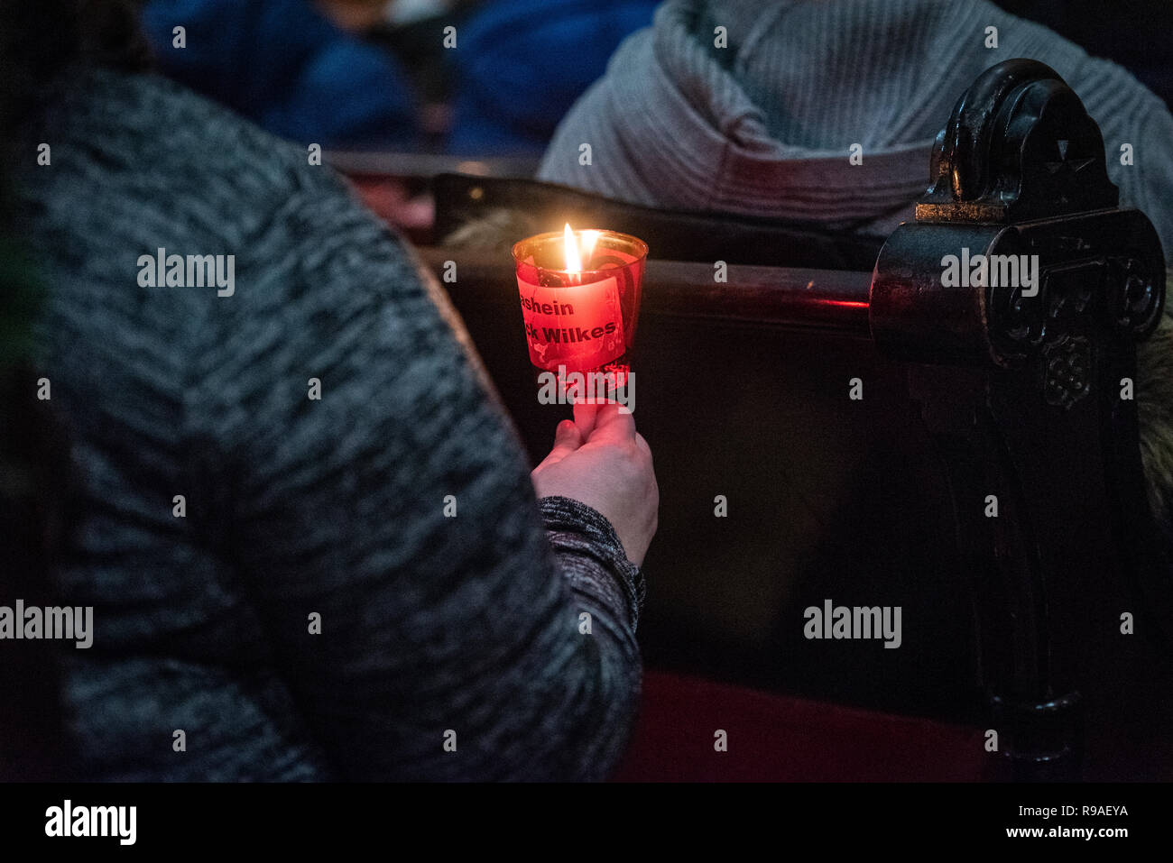 Philadelphia, USA. 20th December, 2018. Hundreds gather for the annual Homeless Memorial in Arch St United Methodist Church. Over two hundred names of homeless people who died throughout the year were read out during a moving candle-lit service. Photo Credit: Chris Baker Evens. December 20 2018. Credit: Christopher Evens/Alamy Live News Stock Photo
