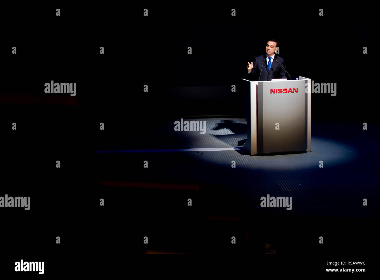 Carlos Ghosn, former president and CEO of Nissan Motor Co., gives a speech at the automaker's HQ in Yokohama, Kanagawa Prefecture, Japan on  19 Oct. 2 - Stock Image
