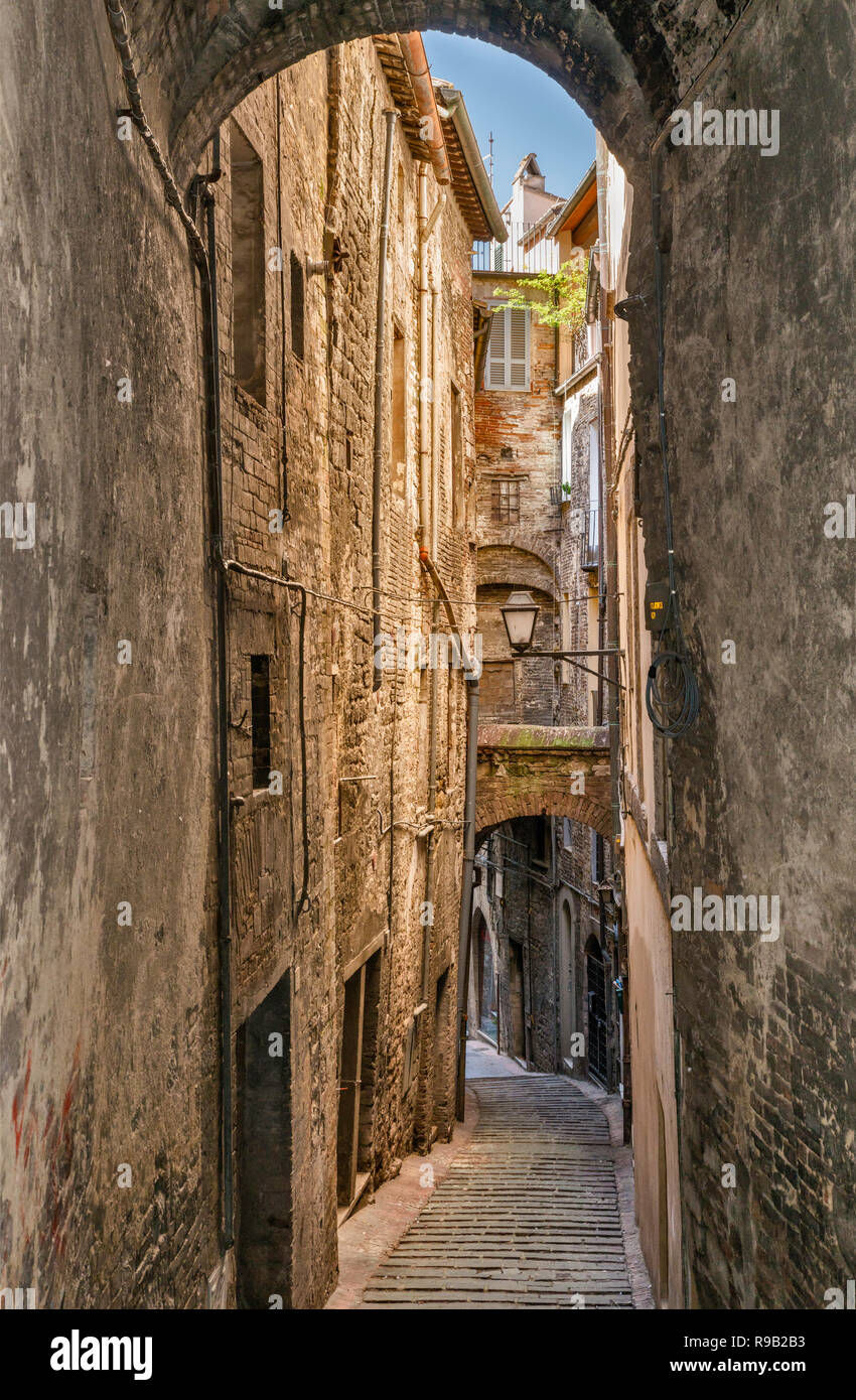 Via dell' Orso, medieval vicolo (passage) in historic center of Perugia, Umbria, Italy - Stock Image