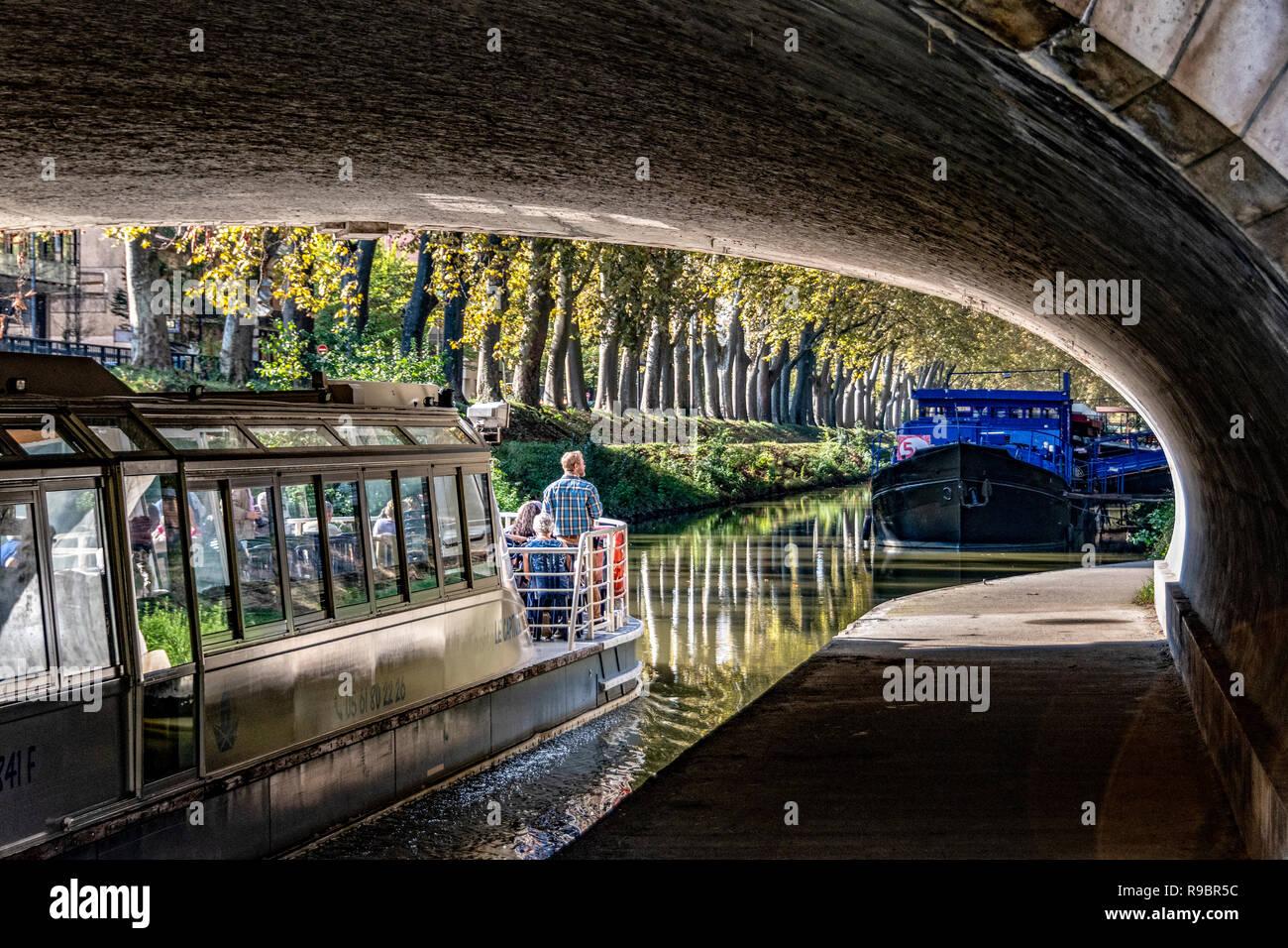 France. Haute-Garonne (31), Toulouse. Houseboats on the Canal du Midi Stock Photo