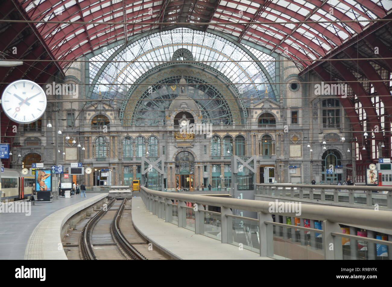 Antwerp Central Train Station Stock Photo Alamy