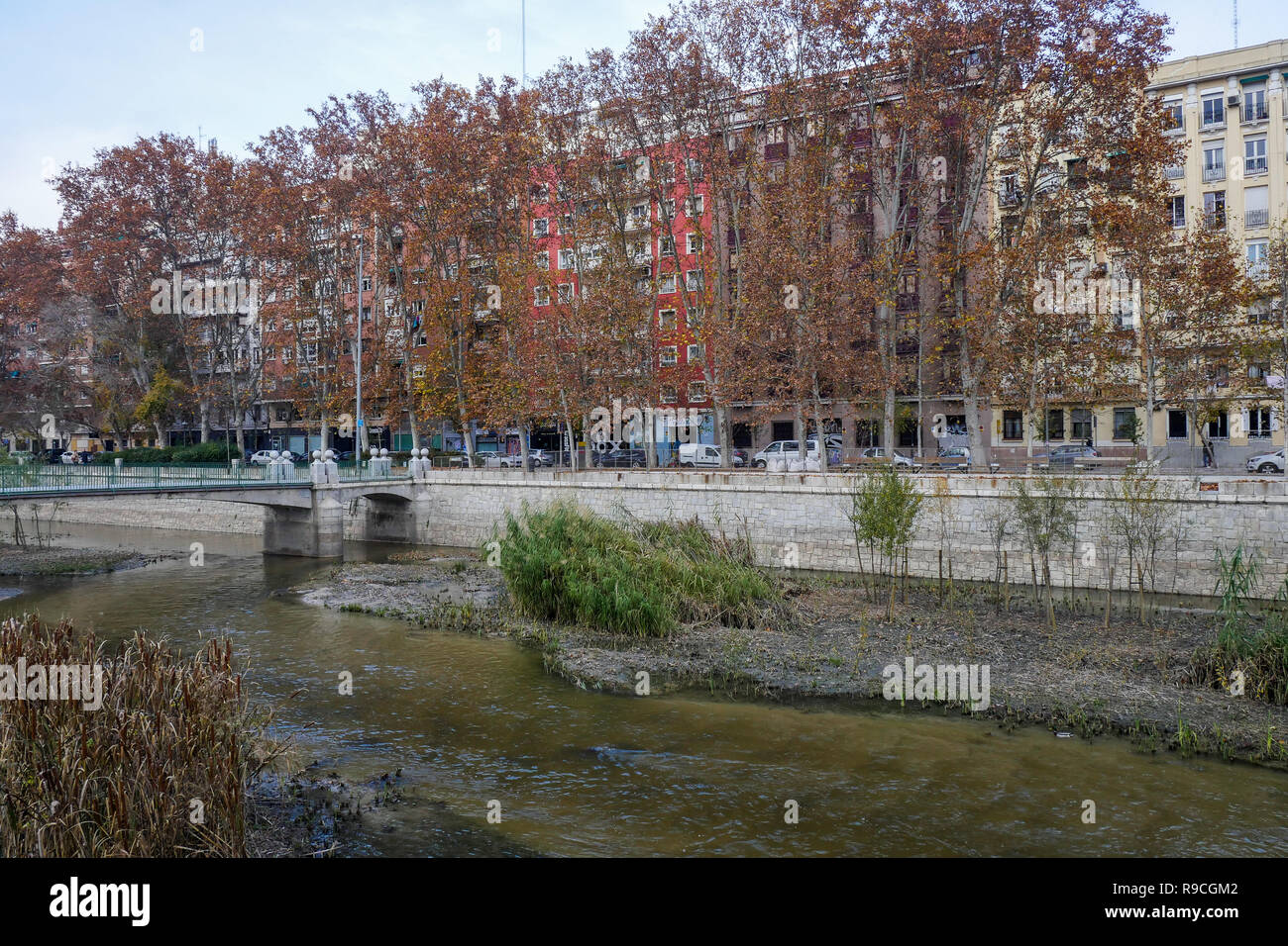 Low waters, Manzanares river, Madrid, Spain Stock Photo