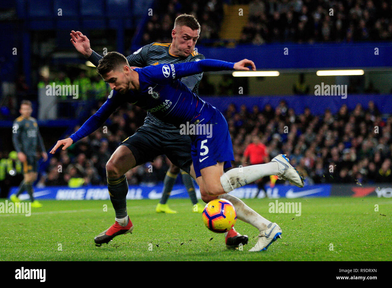 Jamie Vardy of Leicester City (L