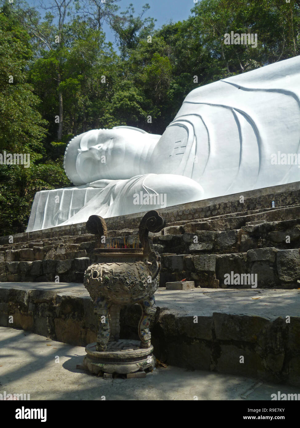 Vietnam- Weißer Buddha in Phan Thiet - Stock Image