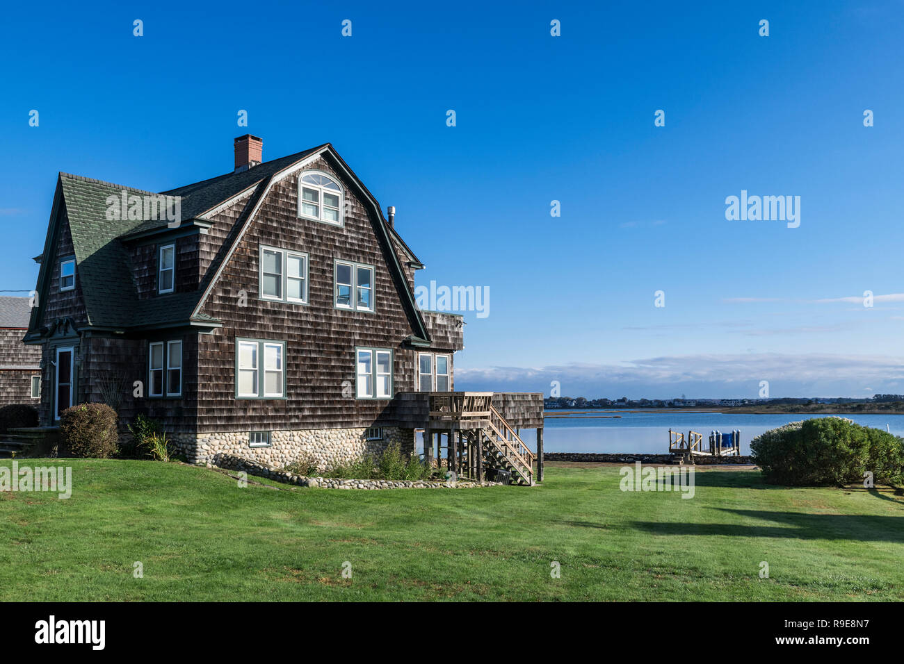 Charming waterfront beach house, Snug Harbor, Wakefield, Rhode Island, USA. - Stock Image