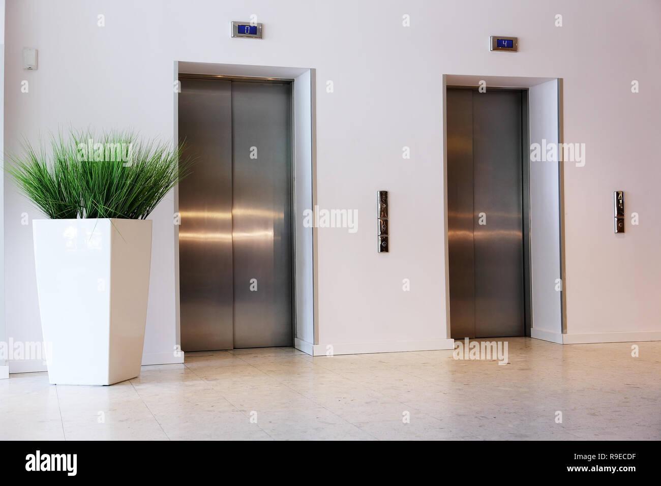 lift with metal door for hotel guests - Stock Image