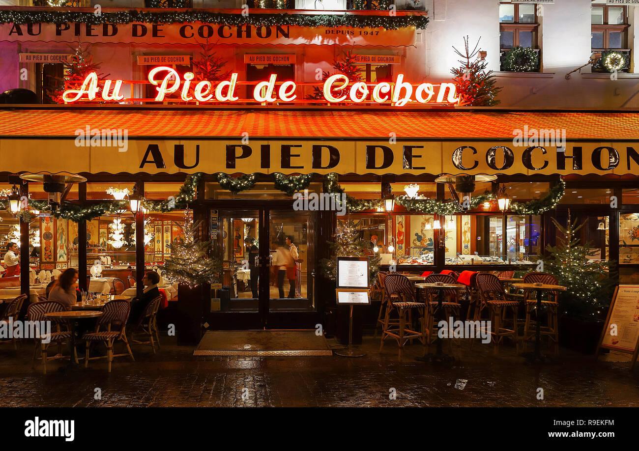 The famous restaurant Au pied du cochon, Paris, France. - Stock Image