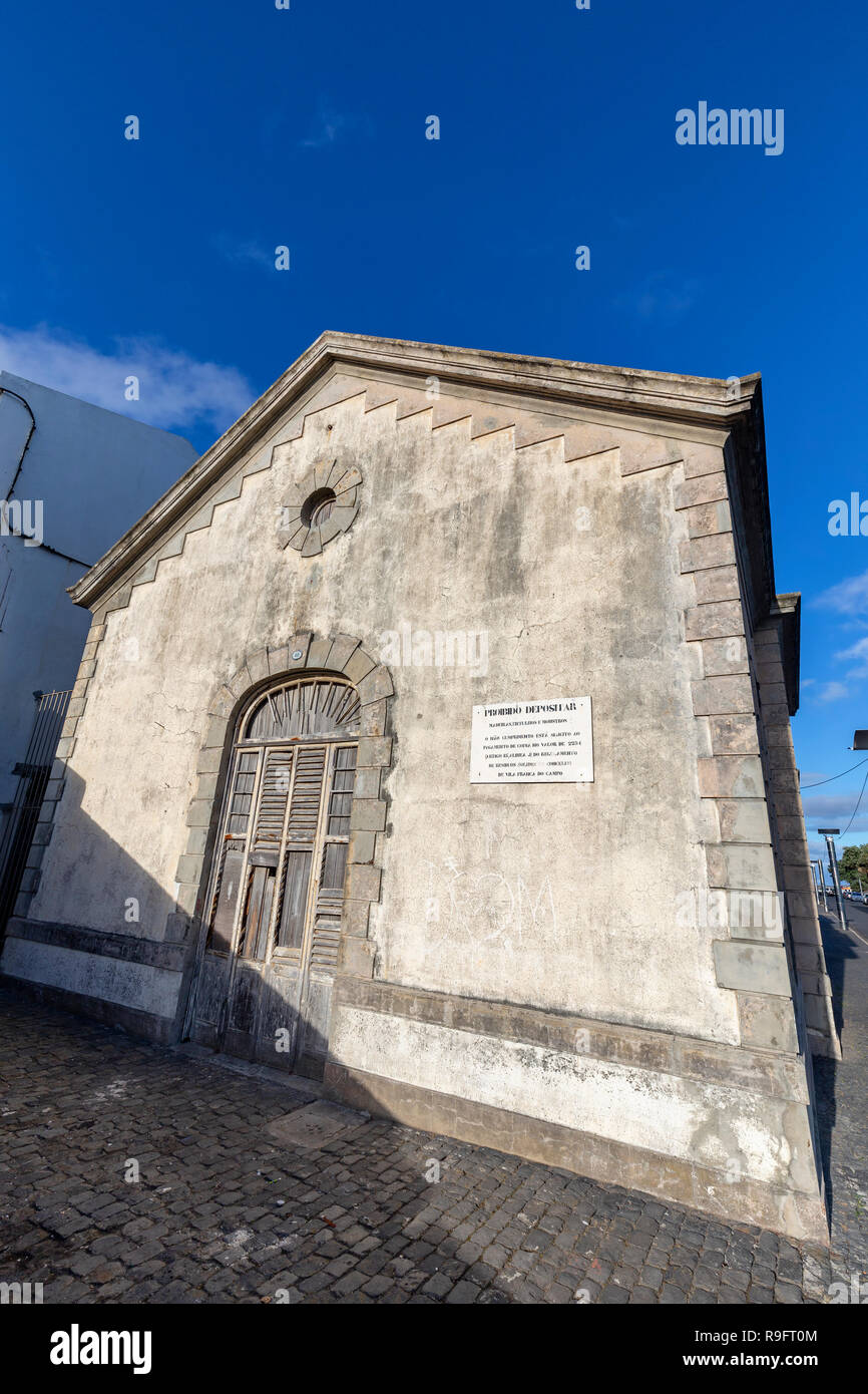 An old interesting building in Vila Franca do Campo on Sao Miguel, Portugal. - Stock Image