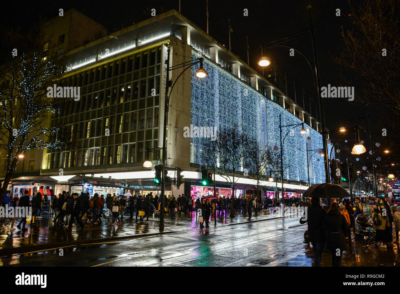 London England Uk 23rd Dec 2018 Londoners Out Shopping For Last