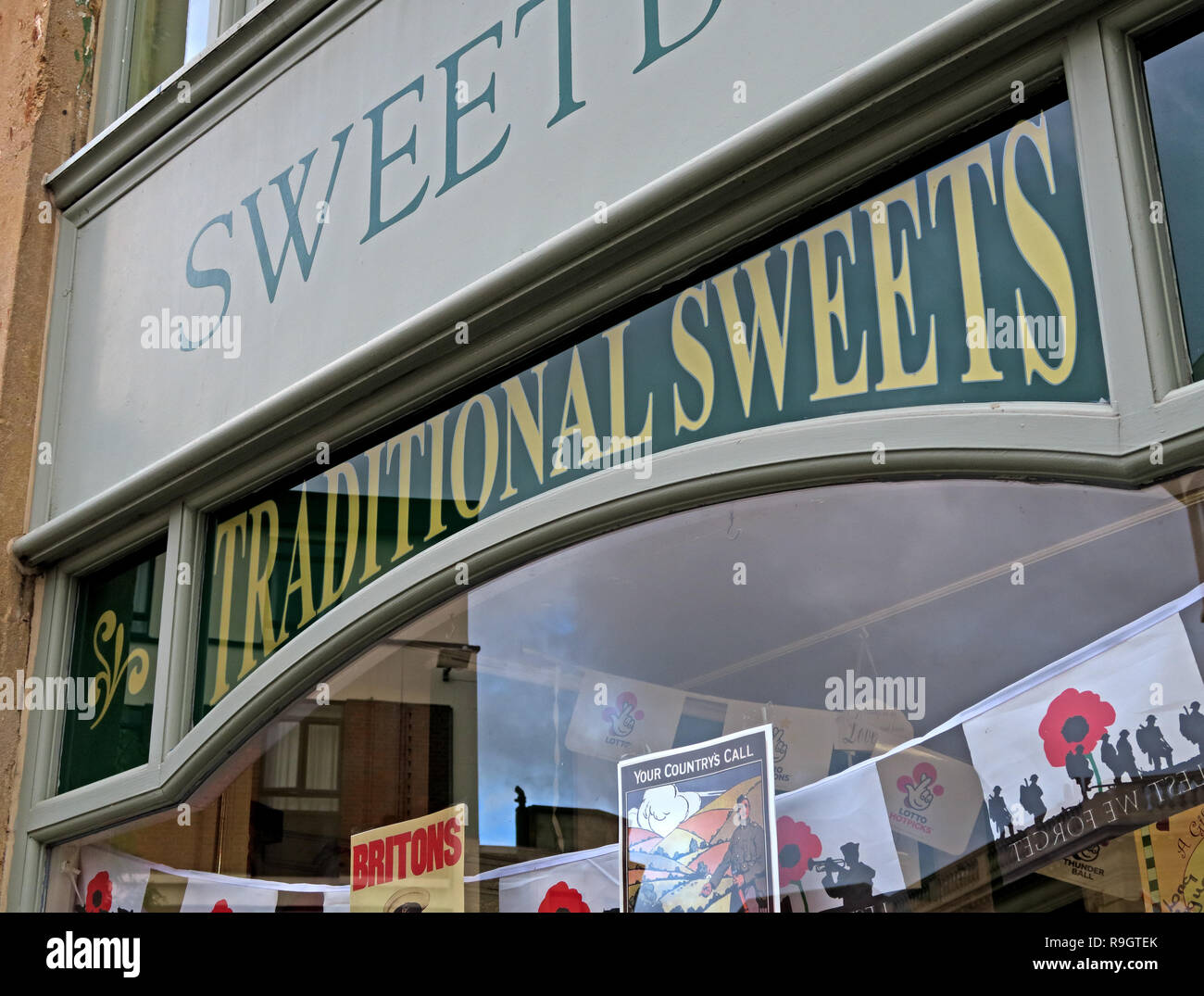 Traditional Sweets, sweet Shop, Sweetbox, 30 Cornhill, high Street, Bridgwater, Somerset, South East England, UK, TA6 3BY - Stock Image