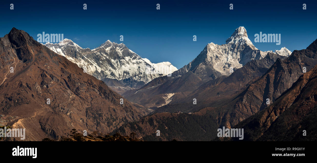 Nepal, Everest Base Camp Trek, panoramic view of Everest and surrounding mountains from above Khumjung - Stock Image