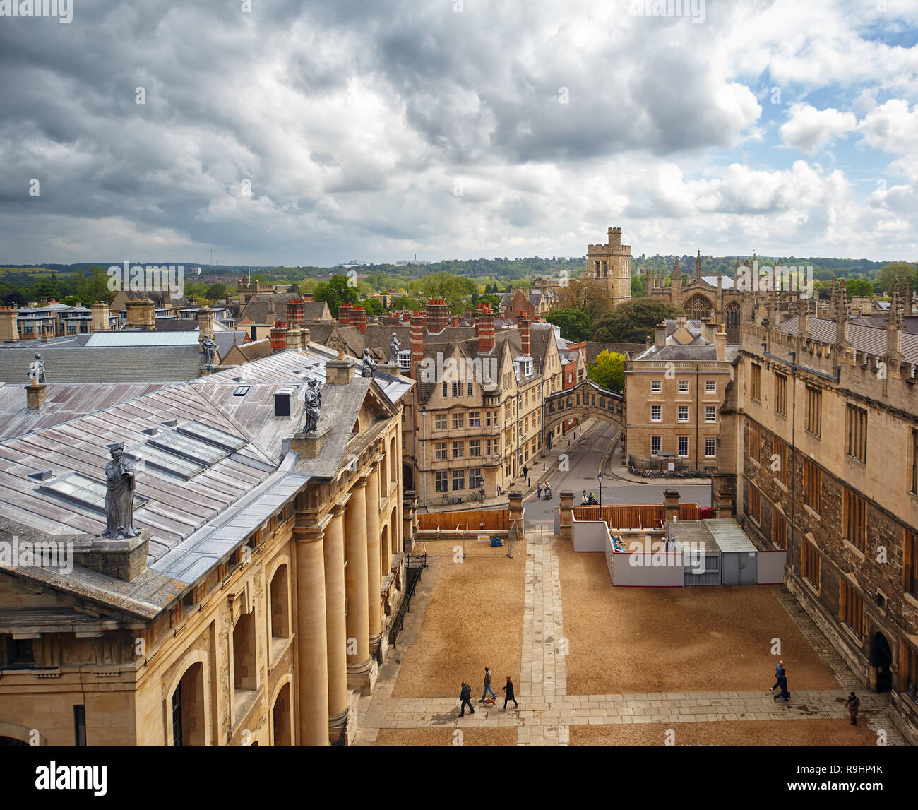 The view from the cupola of Sheldonian Theatre to the intersection of Catte street and New College line, Hertford bridge and bell tower of New college - Stock Image