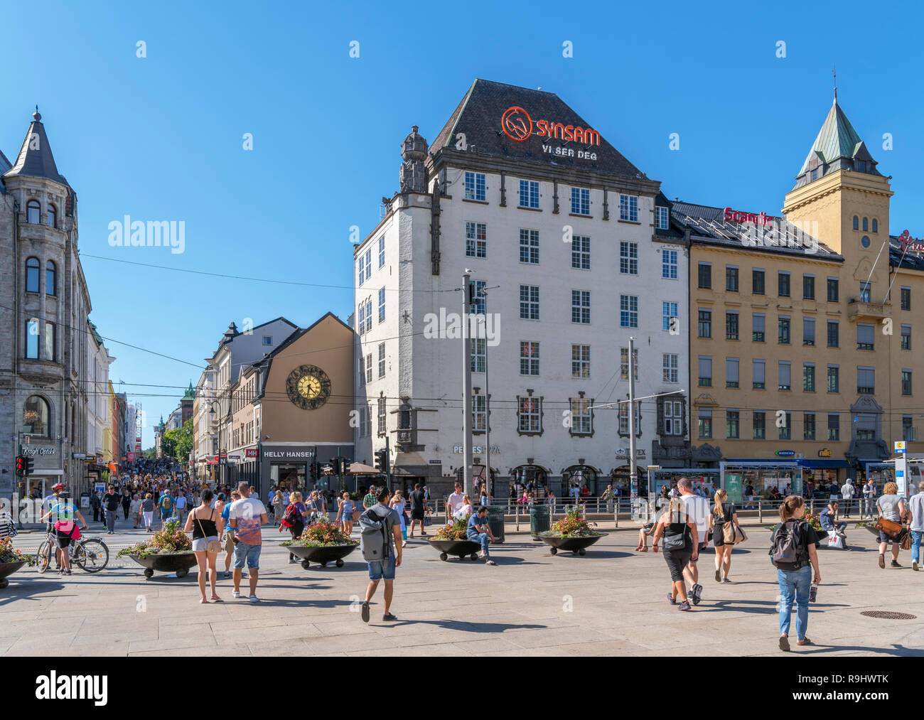 Square at Jernbanetorget in the city centre looking towards the bottom of Karl Johans gate, Oslo, Norway - Stock Image