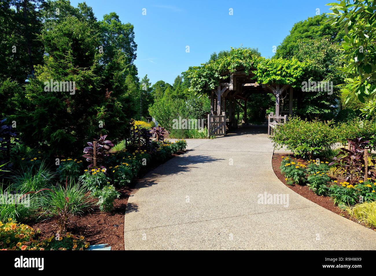 North Carolina Arboretum Garden Entrance in Asheville - Stock Image