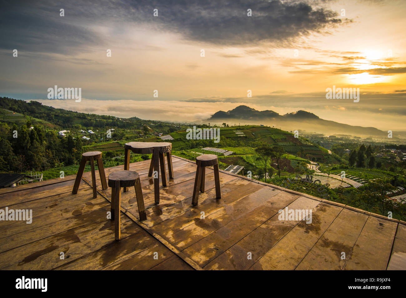 golden sunrise gardu pandang silancur,Magelang,Central java - Stock Image