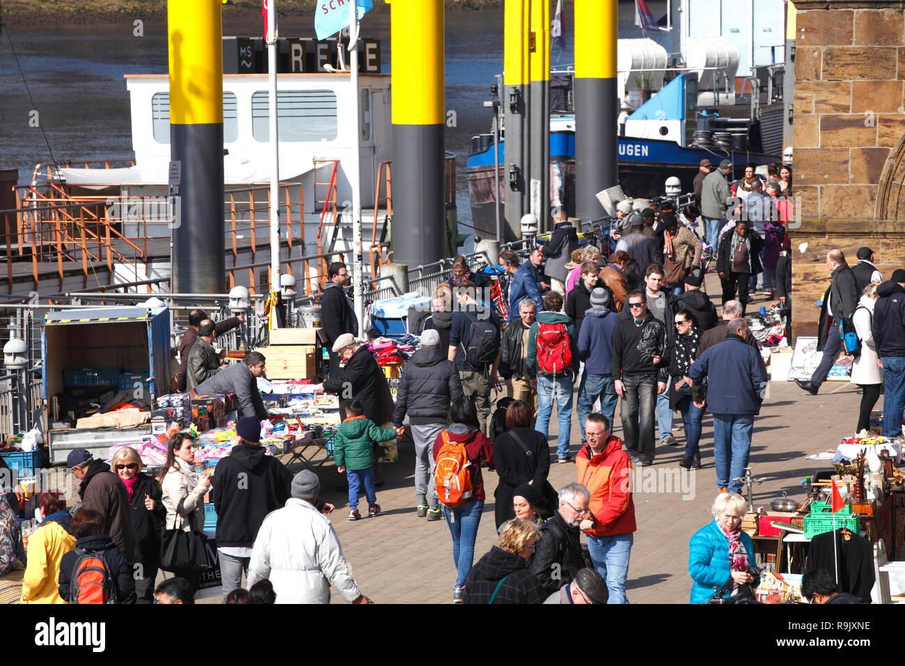 Bremen flea market Kajenmarkt, market stalls, at Schlachte and Weser, Bremen, Germany, Europe  I Bremer Flohmarkt Kajenmarkt, Marktstände, an Schlacht - Stock Image