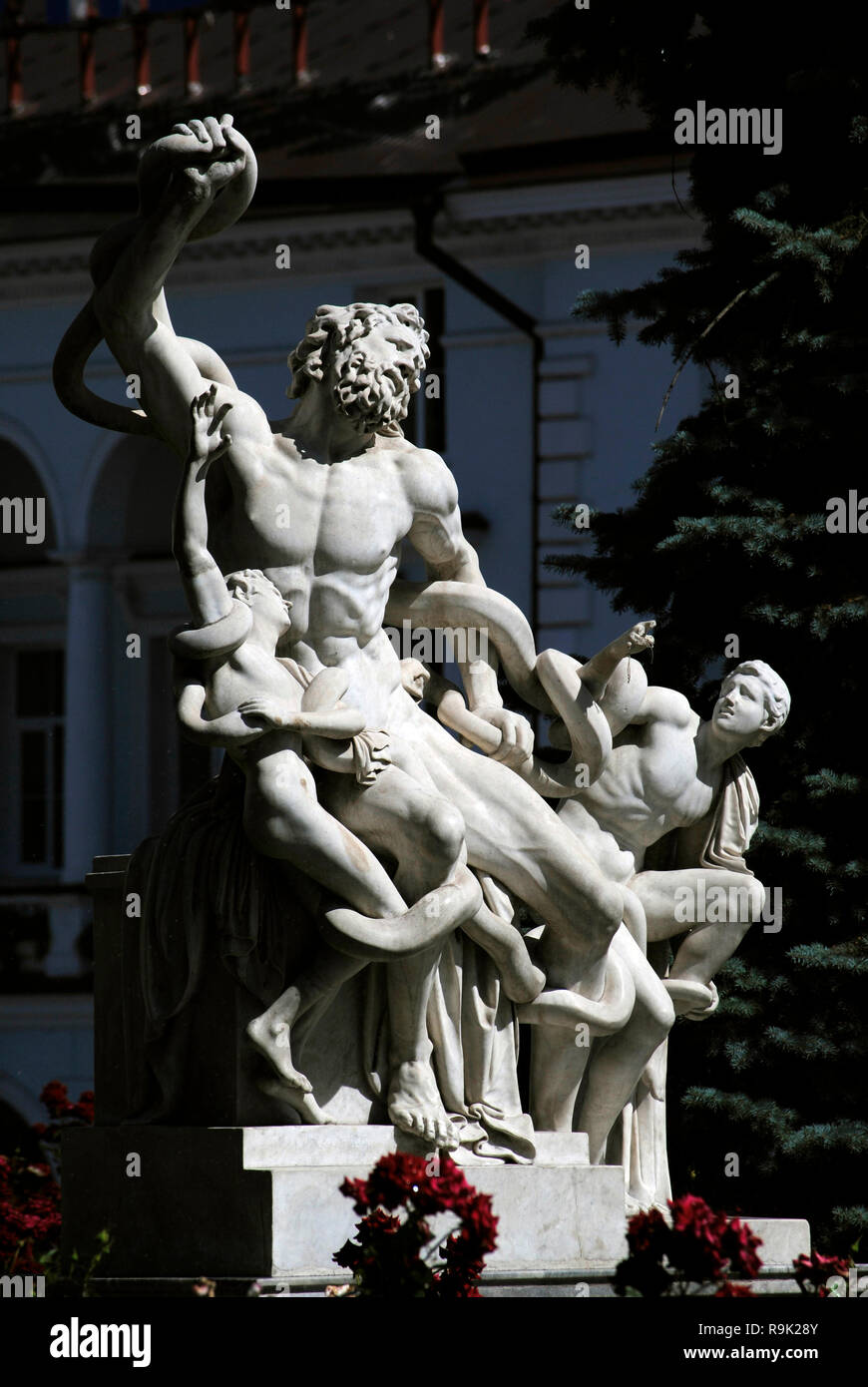 Odessa Archaeological Museum. Copy of the famous sculptural group Laocoon and his Sons, located in front of the facade. Odessa, Ukraine. - Stock Image
