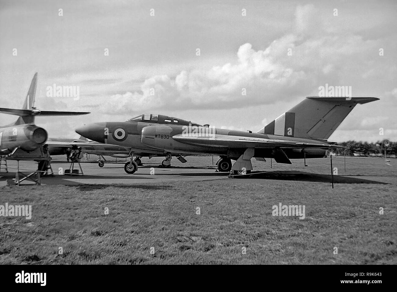 The single-seat 4th prototype Gloster Javelin was the first with a cranked wing leadion edge, it is pictured at the RAF Apprentice School, Halton - Stock Image