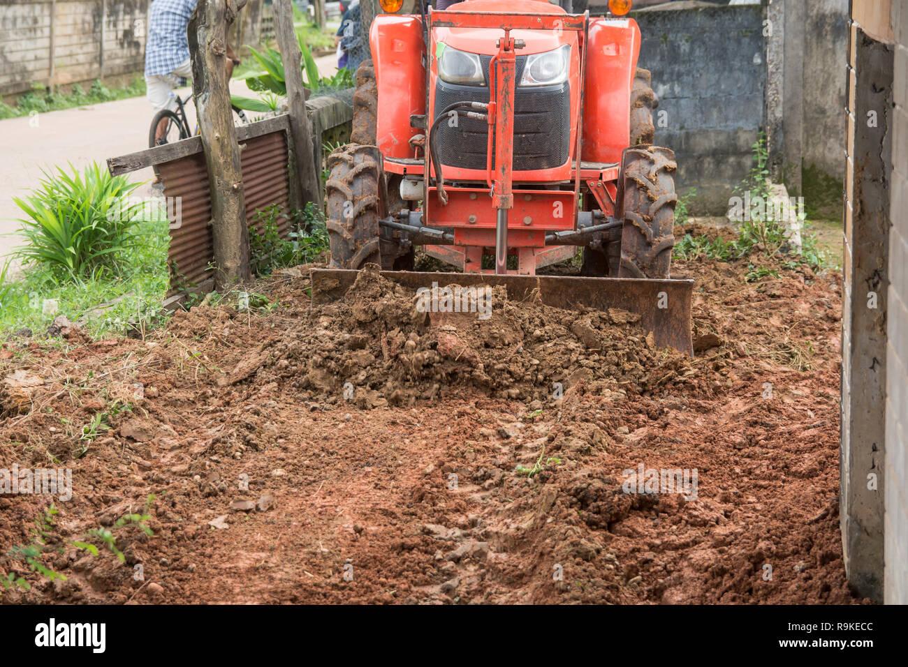 Leveling Soil Stock Photos & Leveling Soil Stock Images - Alamy