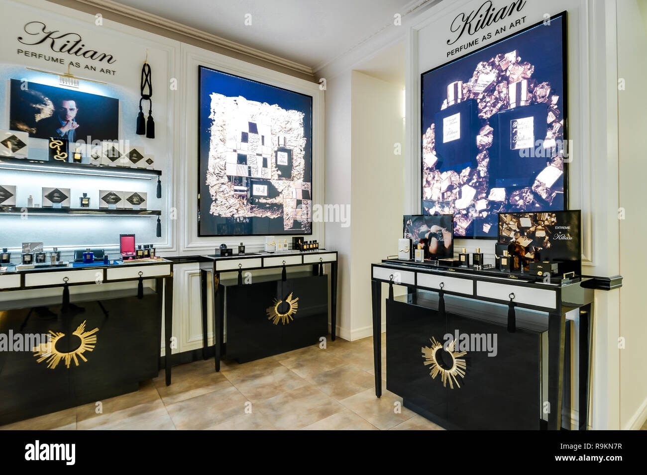 nouveau concept 14f5b 23d51 Boutique Luxe Stock Photos & Boutique Luxe Stock Images - Alamy