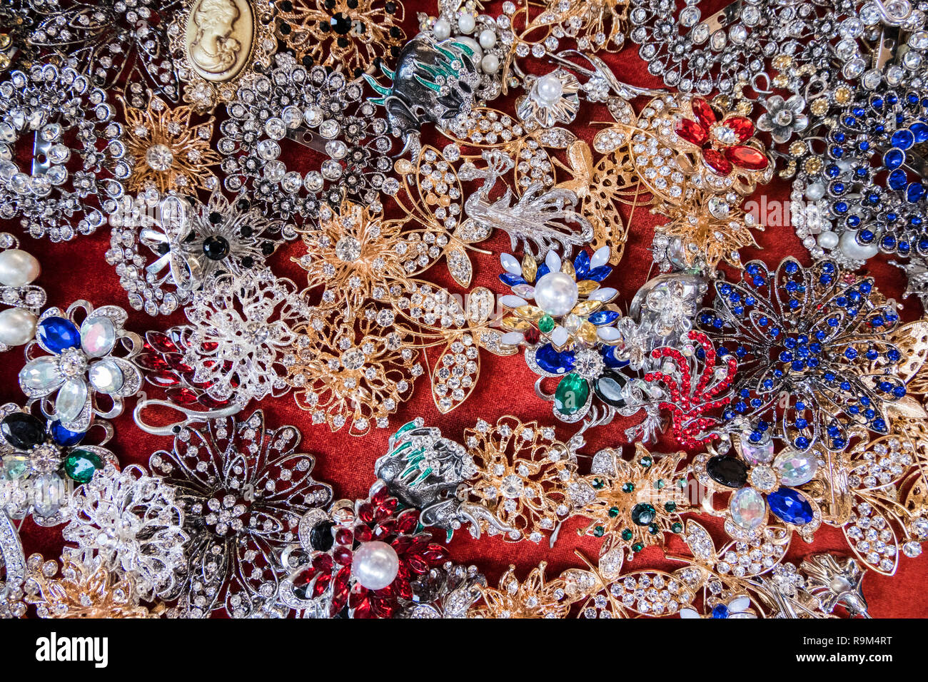 Wallpaper Background Of Jewelery Vintage Golden And Silver Stylish Brooches With Colorful Stones And Diamonds Fake Jewelery Stock Photo Alamy