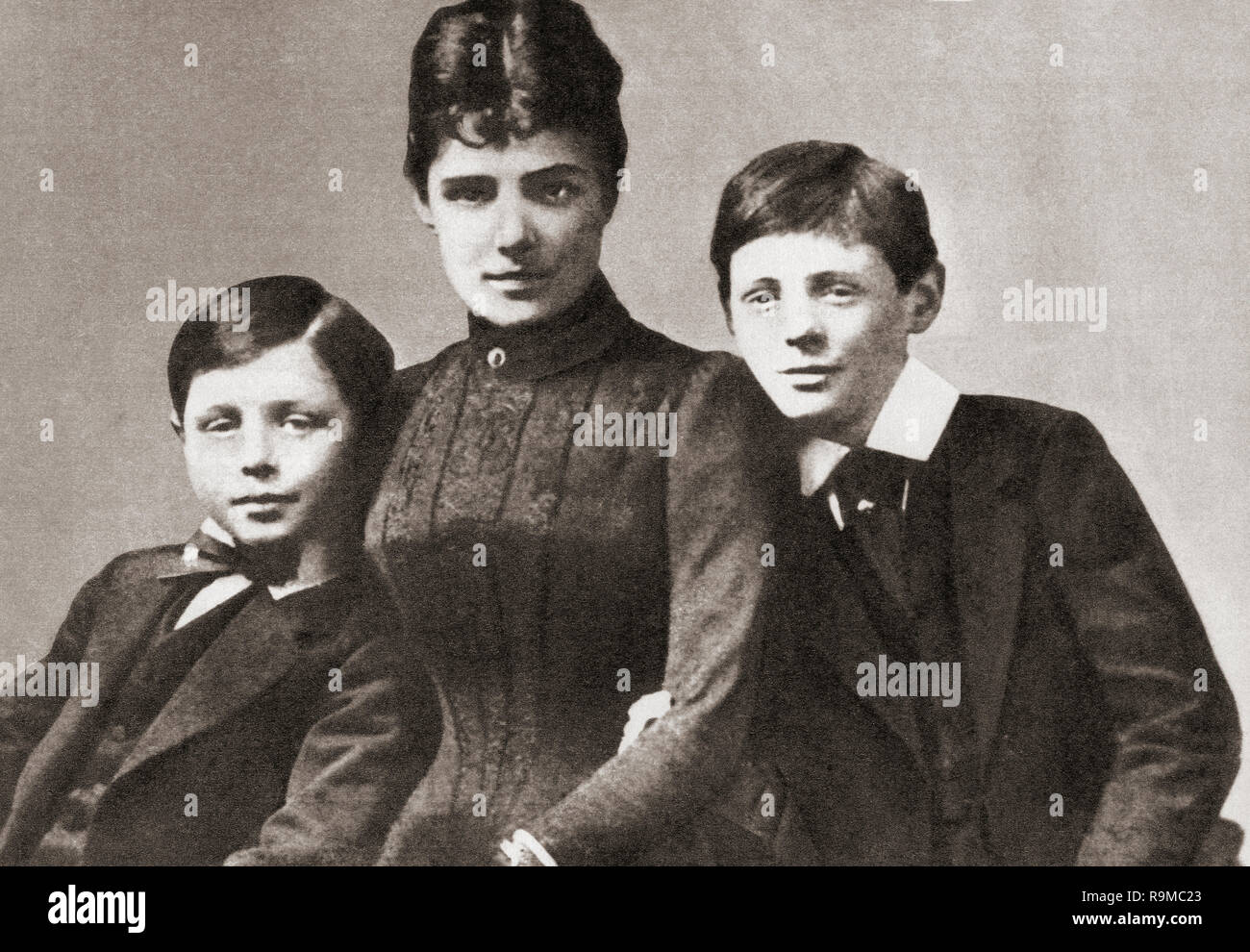 John Churchill, left, with his mother Jennie and his brother Winston, seen here as children in 1889.  Major John Strange Spencer-Churchill, 1880 – 1947, aka Jack Churchill.  Jennie Spencer-Churchill, 1854 –1921, aka Lady Randolph Churchill. Sir Winston Leonard Spencer-Churchill, 1874 –1965. British politician, statesman, army officer, and writer, who was Prime Minister of the United Kingdom from 1940 to 1945 and again from 1951 to 1955. - Stock Image
