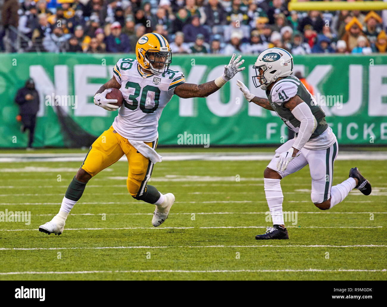 buy popular 1715f b0a26 East Rutherford, New Jersey, USA. 23rd Dec, 2018. Green Bay ...