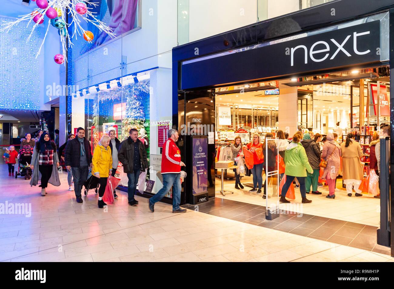 Shop Sale Uk Queue Stock Photos Amp Shop Sale Uk Queue Stock