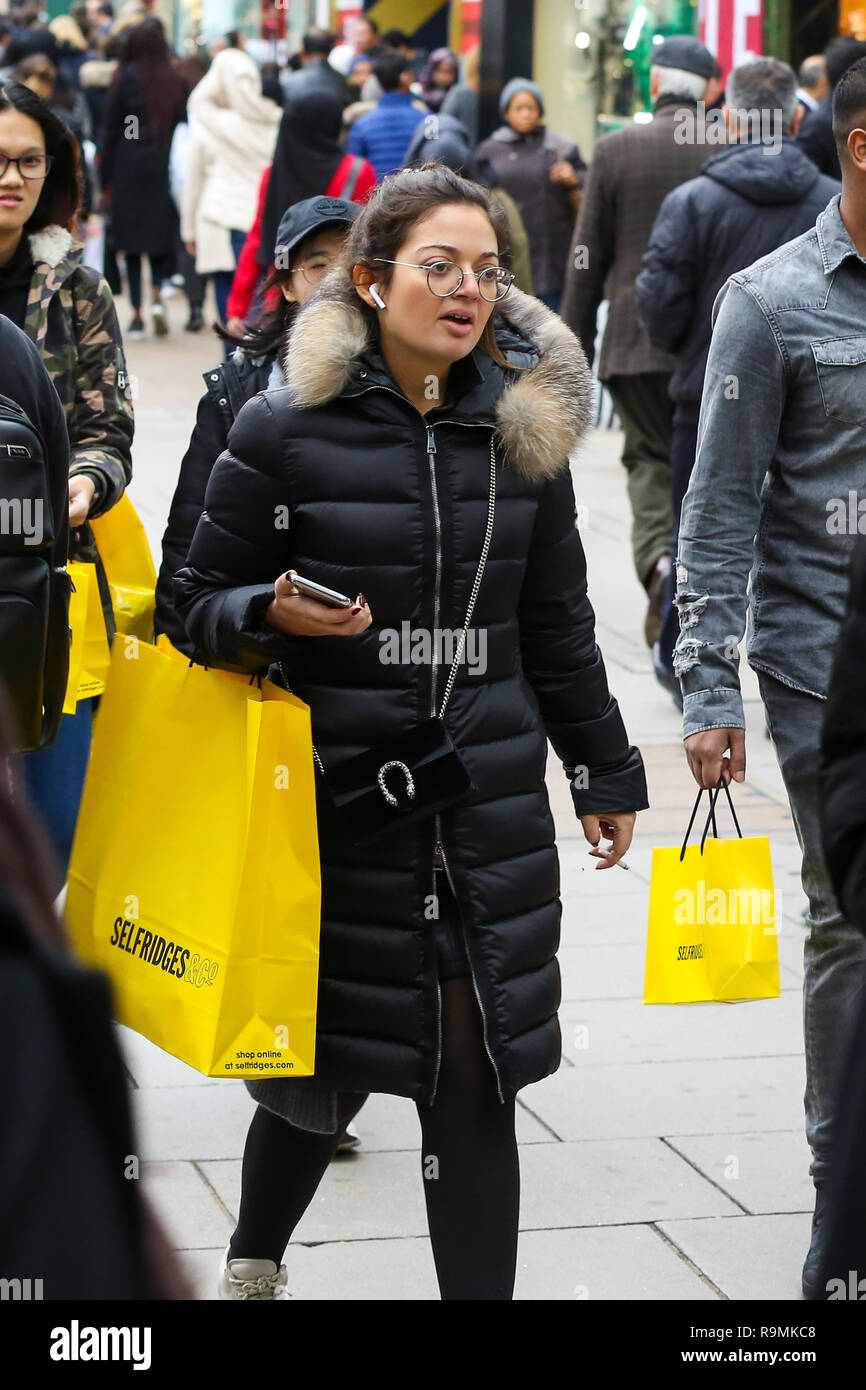 Oxford Street, London, UK 26 Dec 2018 - Tens of thousands of shoppers take advantage of post-Christmas bargains on London's Oxford Street during the Boxing Day sales. According to a recent study, 150,000 jobs have been lost during 2018 as troubled UK high-street retailers are hit by high business property tax and rising online sales.  Credit: Dinendra Haria/Alamy Live News Stock Photo