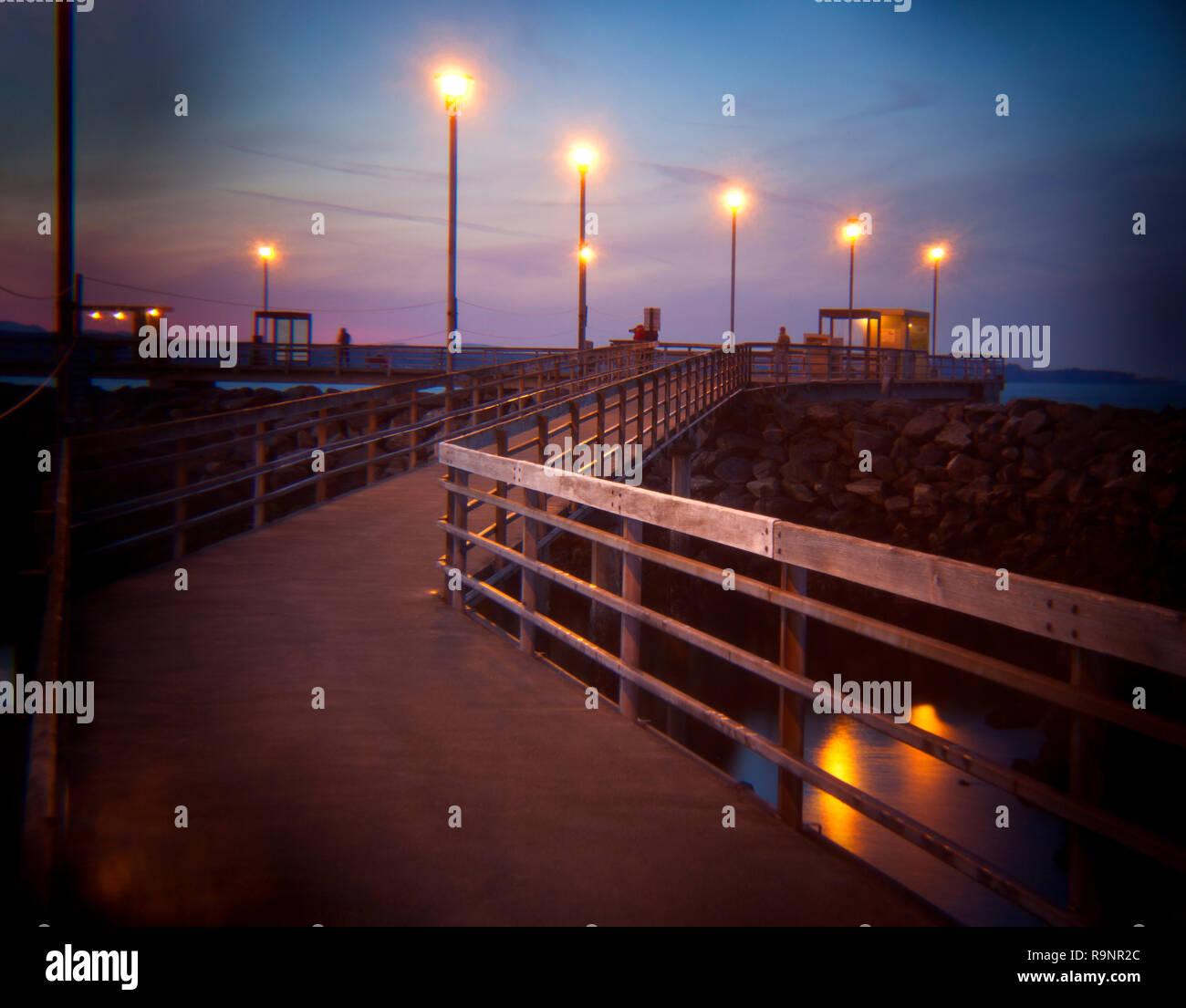 LB00126-00...WASHINGTON - The Edmonds Fishing Pier at sunset. Holga image. - Stock Image