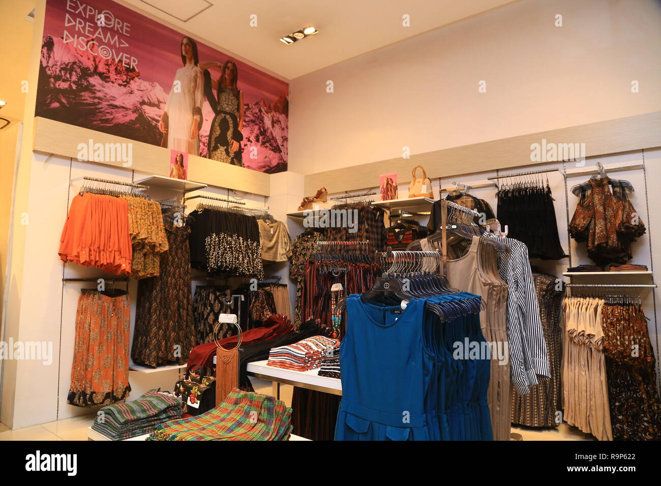 7ffcde07c9 COLOMBO, SRI LANKA - SEPTEMBER 05, 2016: Wide View of Ladies wear Clothes
