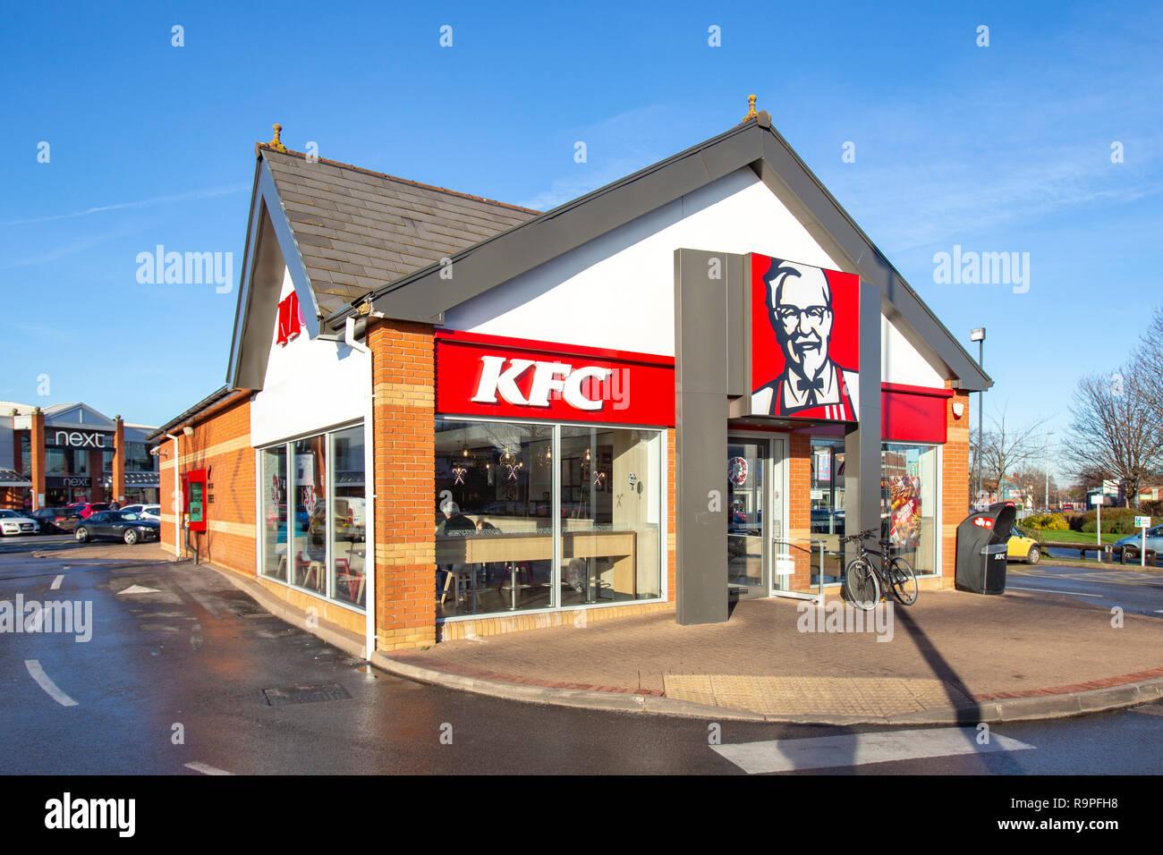 KFC restaurant takeaway at Grand Junction Retail Park in Crewe Cheshire UK - Stock Image